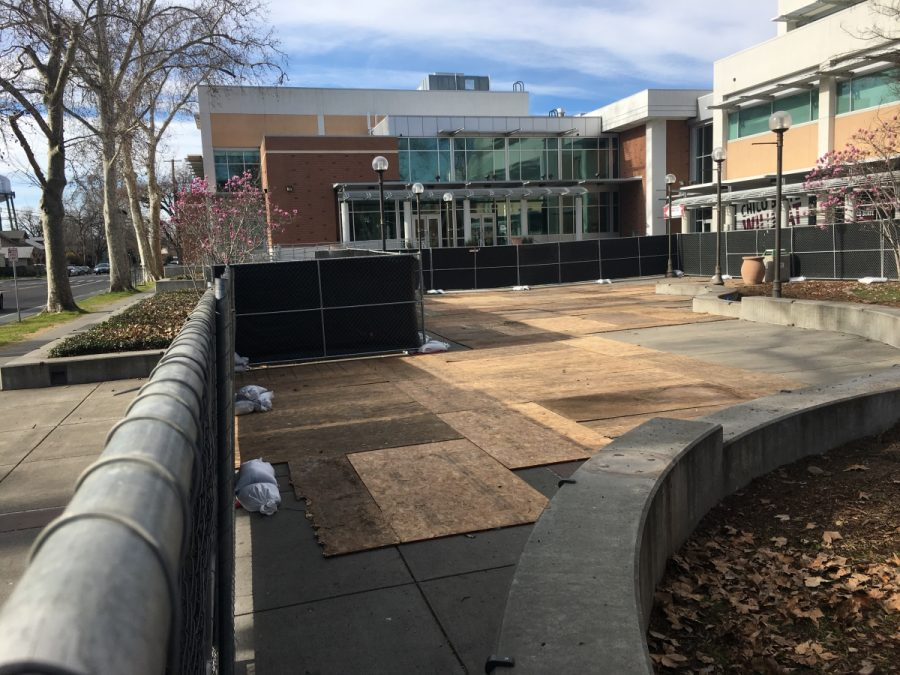 The fencing will be up in front of Bell Memorial Union until the statue's unveiling on April 19 Photo credit: Lizzie Helmer
