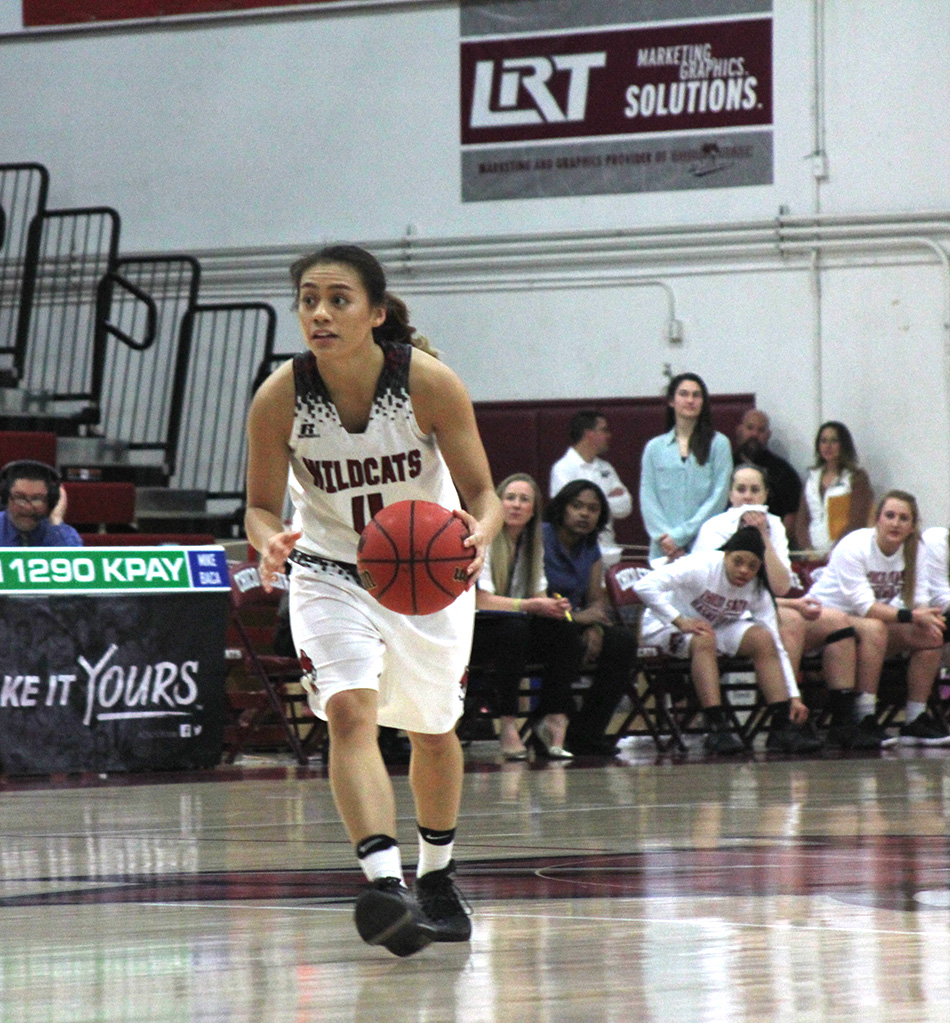 Branham and McFerren lead Chico State basketball to first round playoff victories