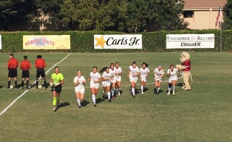 Chico State women's soccer gets ready for their matchup against CSU Los Angeles on Friday afternoon. Photo credit: Ricardo Tovar