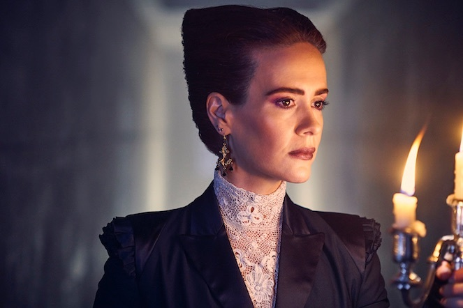 'American Horror Story' barely meets expectations