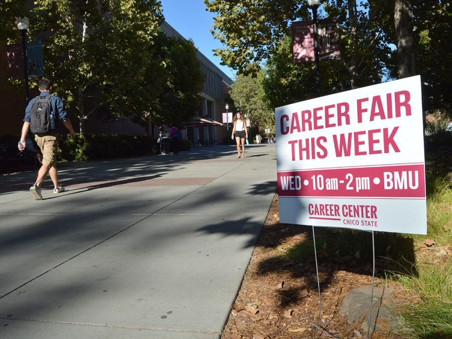 Signs+throughout+campus+advertise+Wednesday%27s+career+fair+that+welcomes+students+of+all+majors+to+attend.+Photo+credit%3A+Olyvia+Simpson