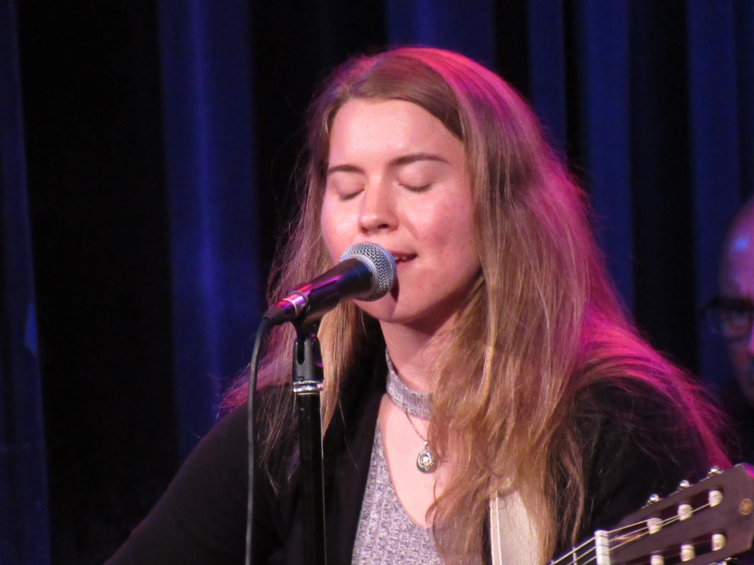 An+alumni+of+Chico+High+and+Chico+State%2C+Roxanne+Winslow%2C+combined+a+simple+acoustic+song+with+offbeat%2C+soaring+vocals.+Photo+credit%3A+Natalie+Hanson