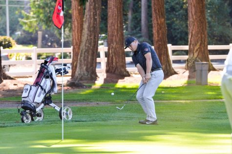 Men's golf team struggles early