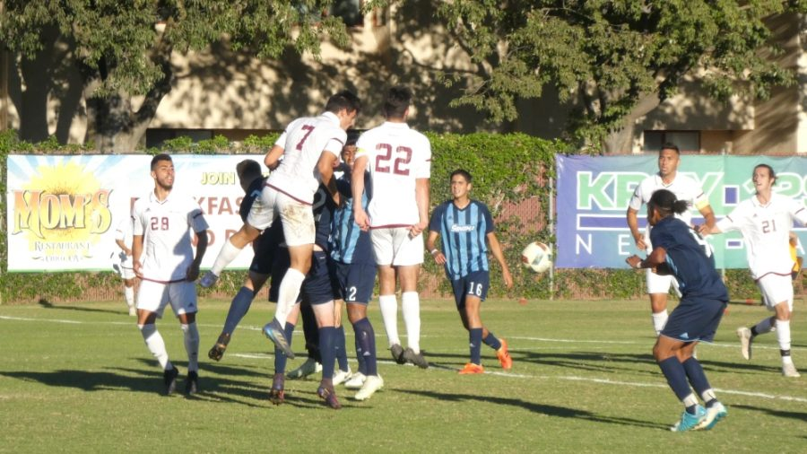 Chico+State+men%27s+soccer+plays+against+Sonoma+State+University+on+Friday.+Photo+credit%3A+Josh+Cozine