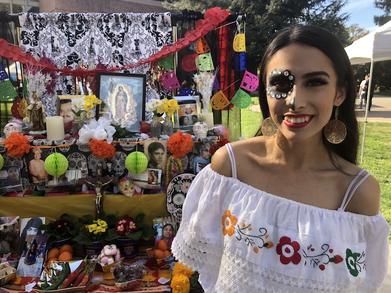 Student+Yajaira+Martin+helped+make+an+ofrenda+on+campus.+Photo+credit%3A+Natalie+Hanson