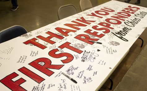 A sign sits in the Bell Memorial Union for students to give their thanks to the first responders of the Camp Fire on Tuesday. Photo credit: Dominique Wood