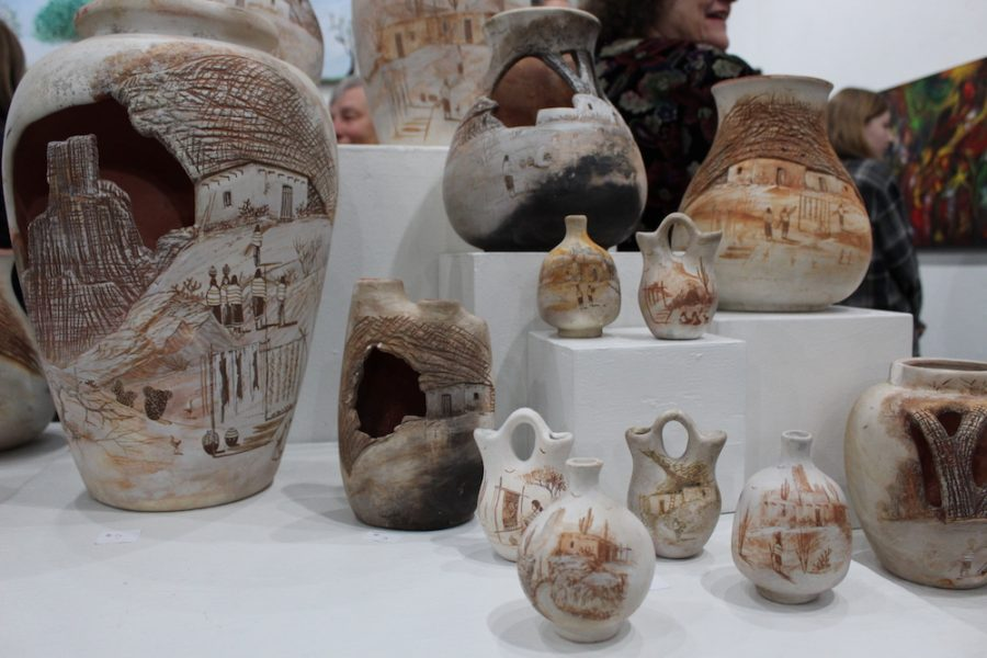 Vases+of+a+deceased+mother+from+Paradise.