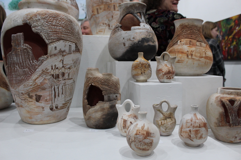 Vases of a deceased mother from Paradise.