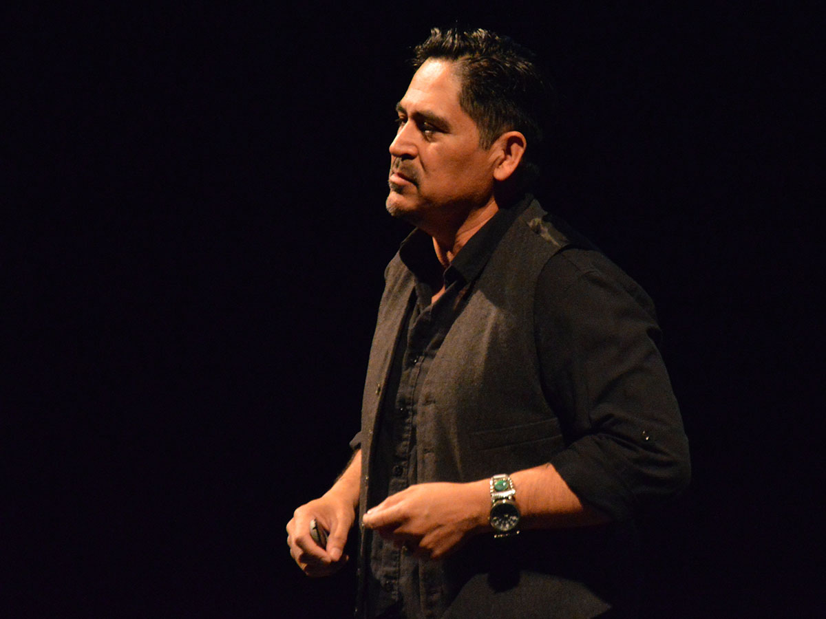 """""""I didn't want to know facts,"""" Hernandez said, """"I wanted to hear stories."""" Hernandez took the audience along on his journey of what went into writing his book. He described how he was able to get in contact with some of the families in Mexico of the immigrants who died in the plane crash. Photo credit: Olyvia Simpson"""