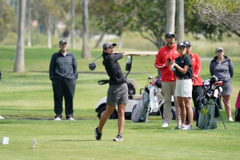 Women's golf clinches third