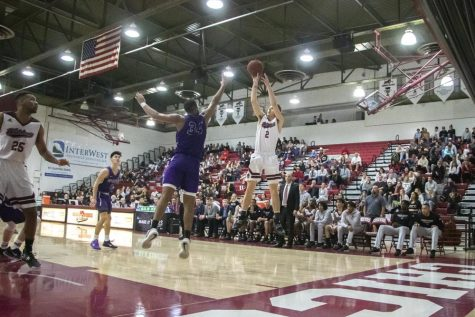 Men's basketball team stays hot over winter break