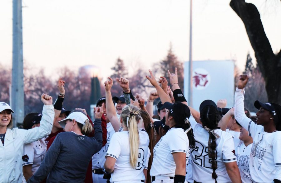 Chico+State+softball+team+chants+in+victory.+