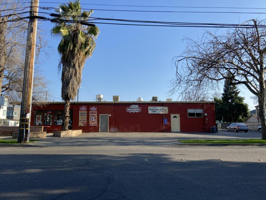Mountain Mike's Pizza robbed at gunpoint