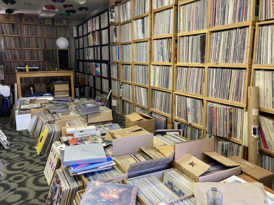 Part+of+Jeff+Howse%27s+extensive+vinyl+records+collection