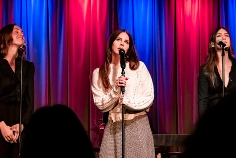Lana Del Rey @ Grammy Museum 10/13/2019 by jus10h is licensed with CC BY 2.0. To view a copy of this license, visit https://creativecommons.org/licenses/by/2.0/